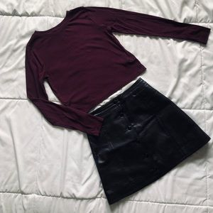 Divided long sleeve crop top